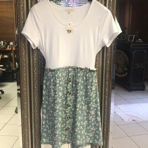 Dresses & Skirts - NWT soft dress